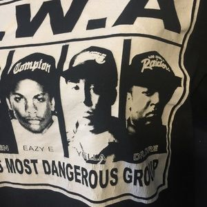 Tops - NWA GANGSTER RAP HIP HOP GRAPHIC BAND TEE